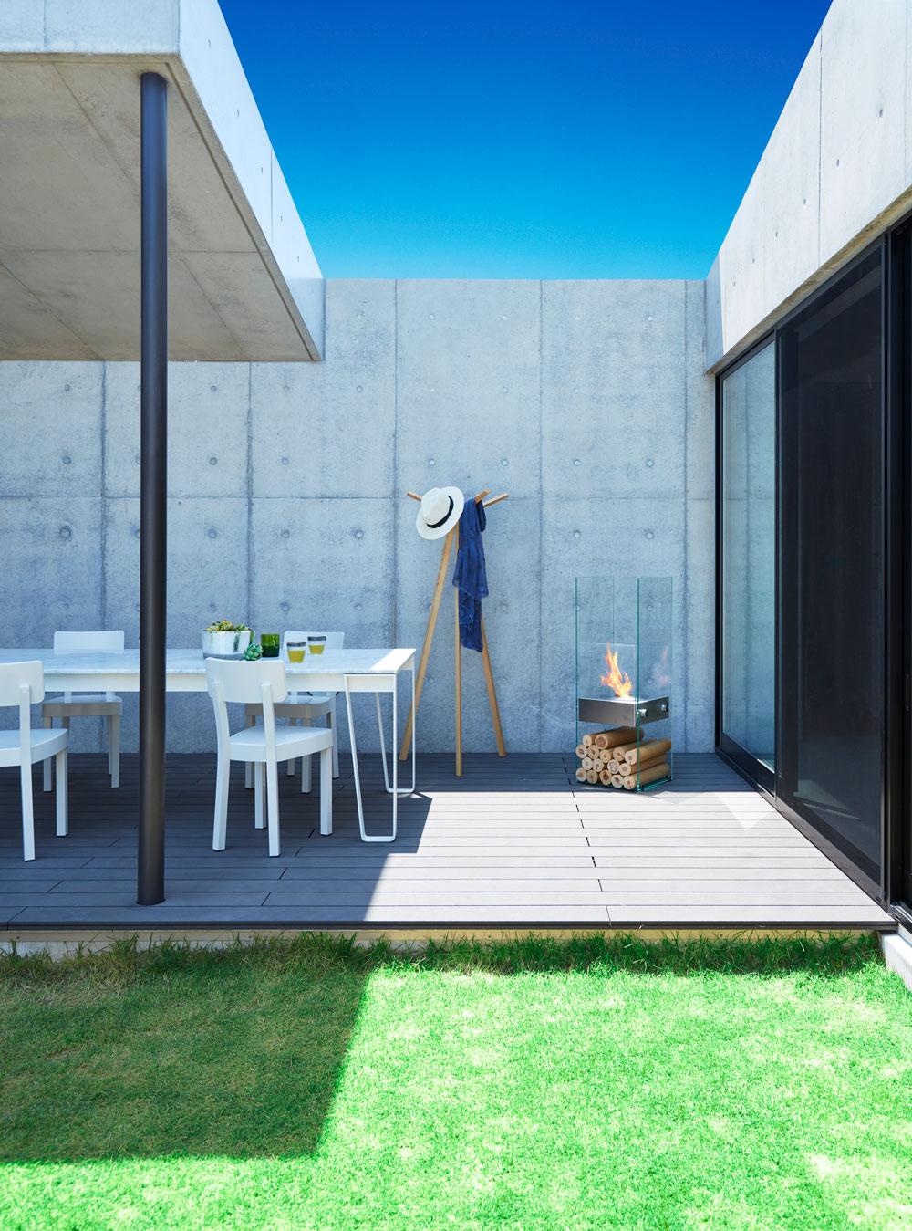 UTEcomfort levering moderne og sertifisert utendørs, innendørs biopeis EcoSmart Fire Ghost i Oslo og Akershus, Norge med god pris for best kvalitet i markedet for din moderne hage